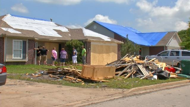 Oklahoma Tornado Victims Already Finding Scammers
