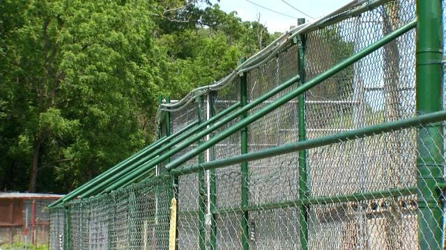 Broken Arrow Safari Built Cages With Weather In Mind