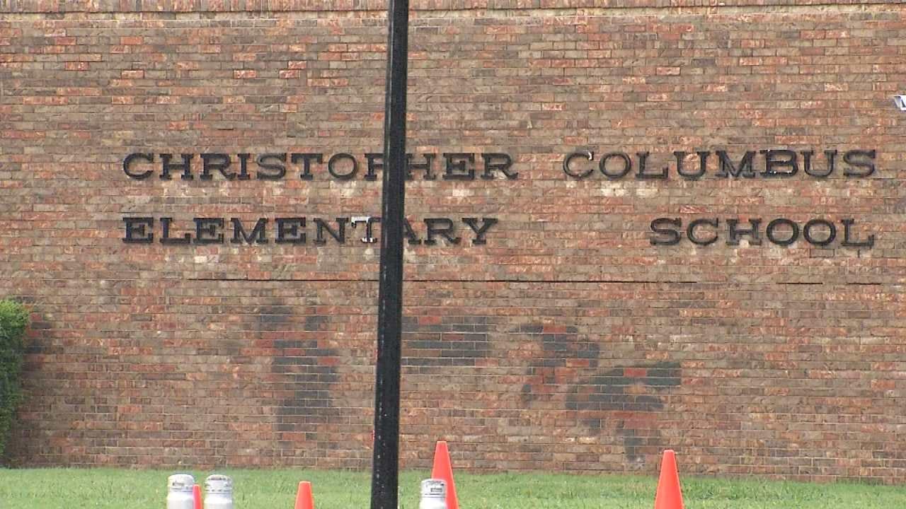 Lightning Strikes Delays Start At Tulsa Elementary School