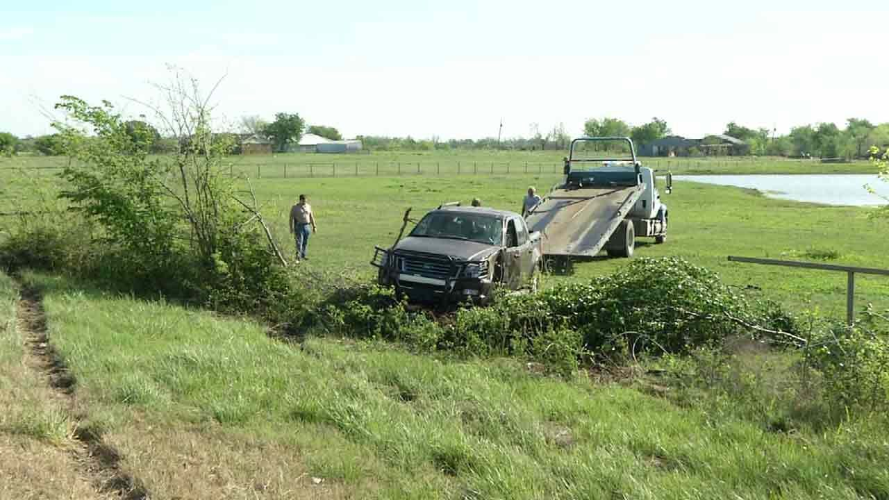 Okmulgee County Chase Ends In Crash With Suspect, Sheriff