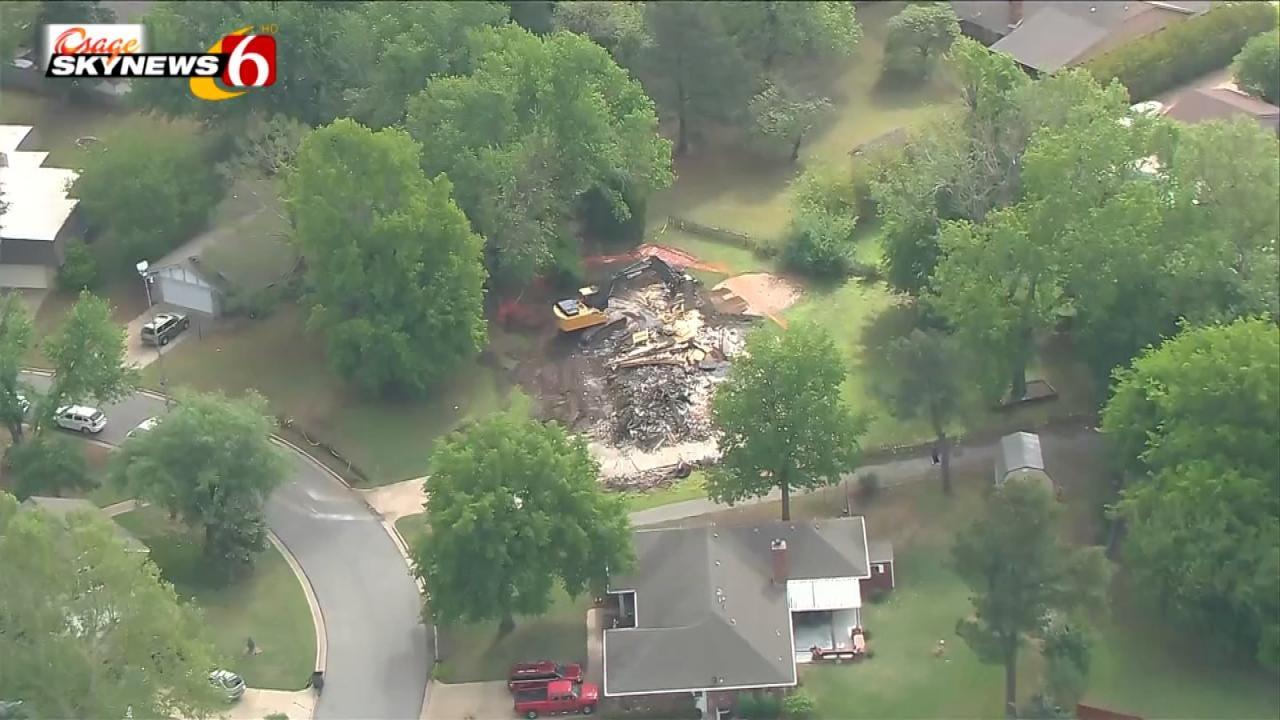 Workers Demolish The Bever Family Home In Broken Arrow