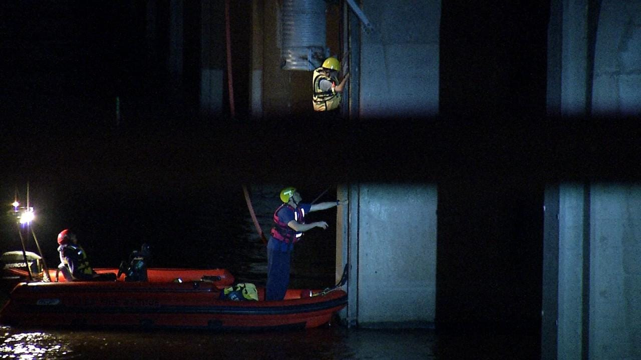 Tulsa Firefighters Rescue Woman Who Fell Into The Arkansas River