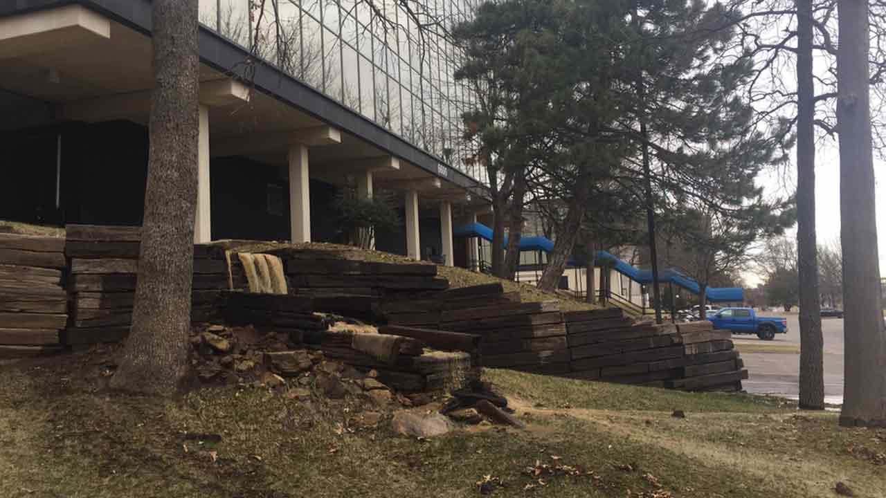 Large Water Leak Forces Evacuation Of Tulsa Warren Clinic Building