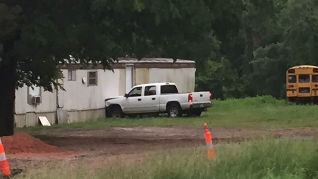 Man Fires Gun After Crashing Into Wagoner County Home