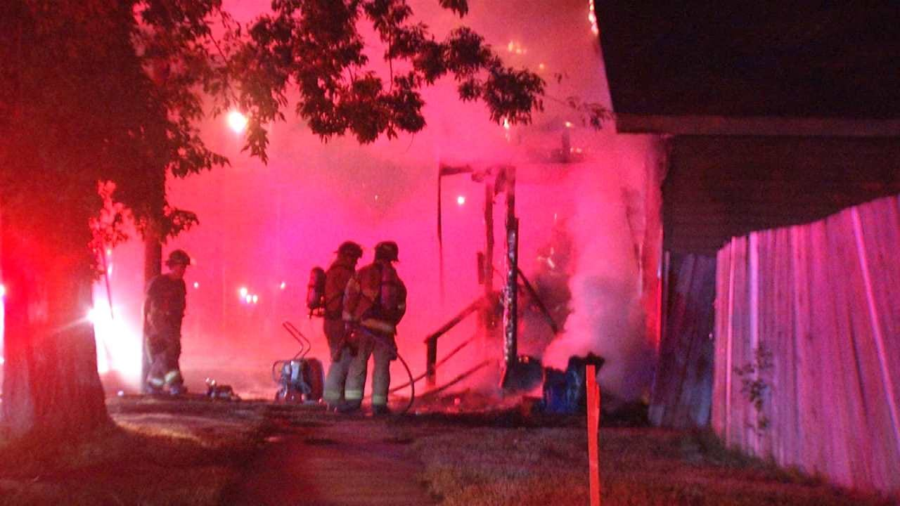 Fire Breaks Out In Two Vacant Tulsa Homes