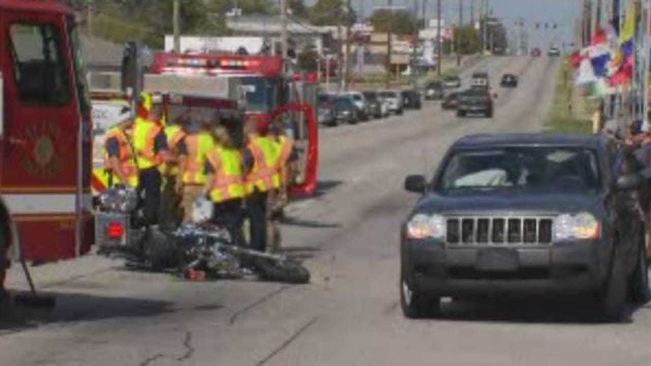 One Hurt When Motorcycle, Jeep Collide In Tulsa Intersection