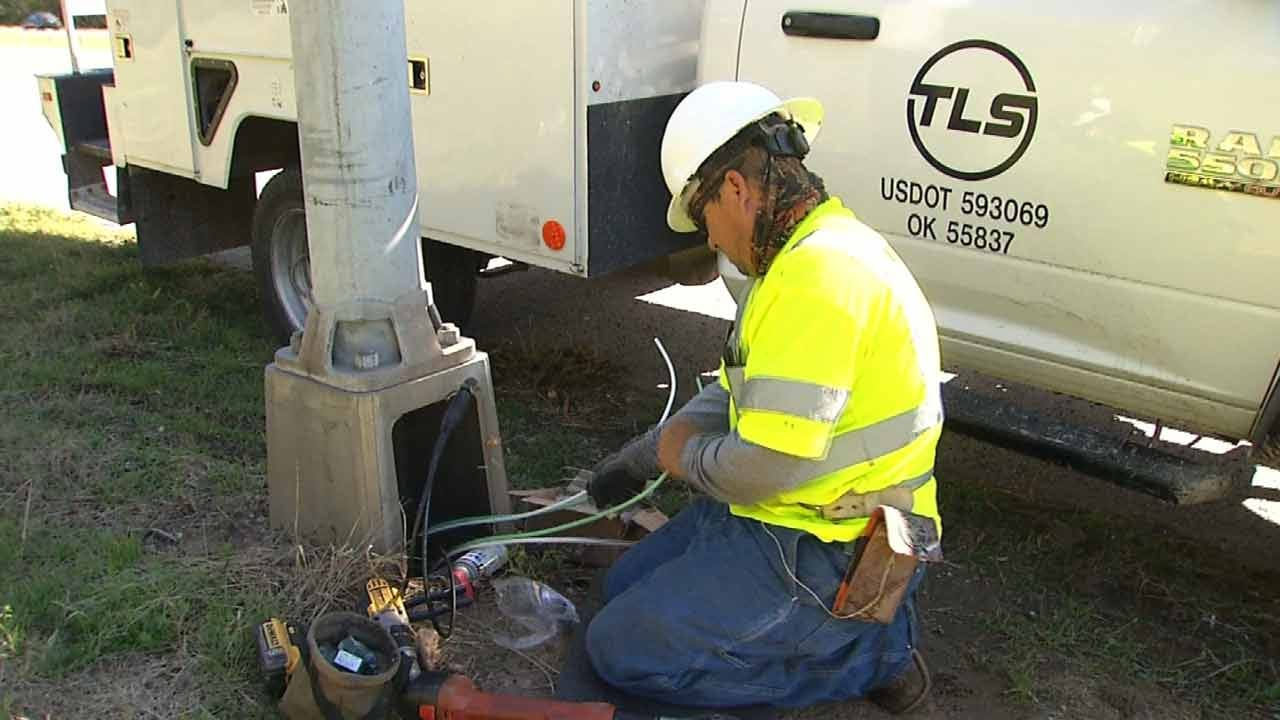 Tulsa Hopes Preventative Measures Stop Thieves, Keep Street Lights On