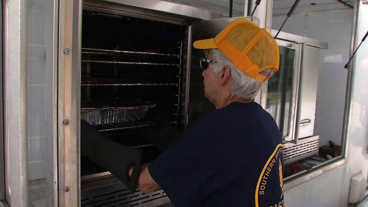 OK Baptist Disaster Relief Preparing Hot Meals For Hurricane Harvey Victims