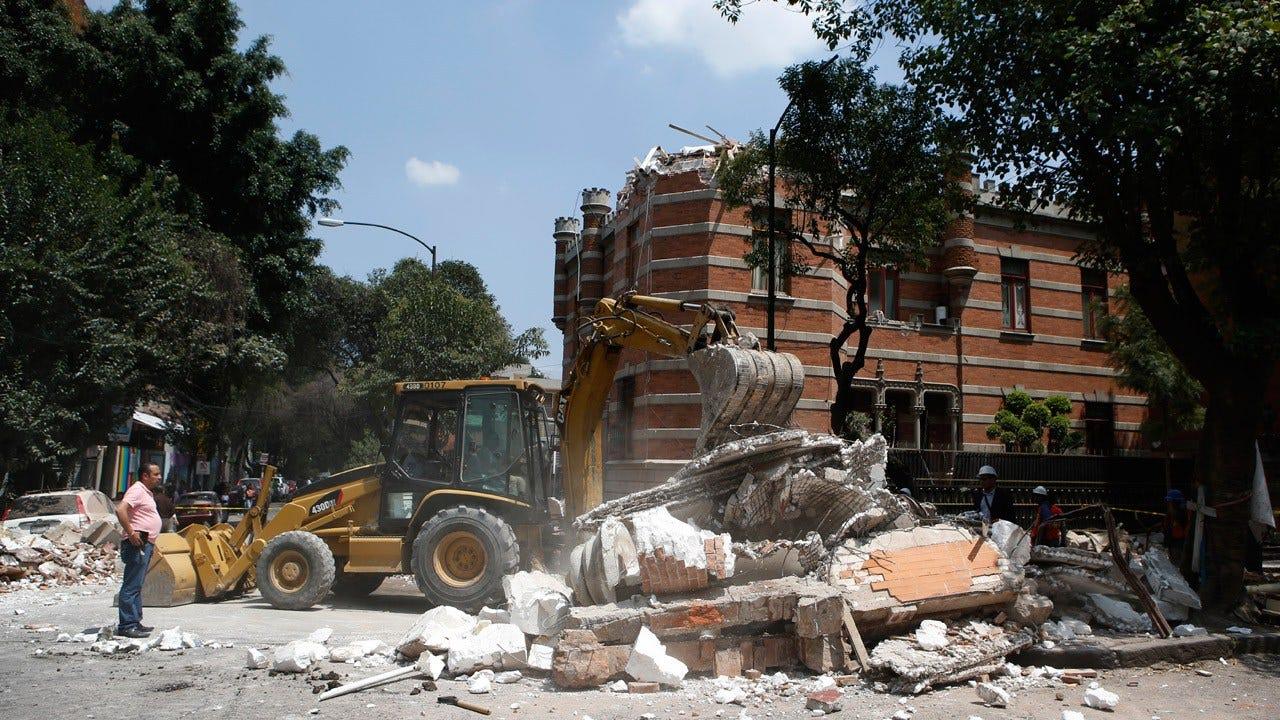 Major Earthquake Hits Central Mexico