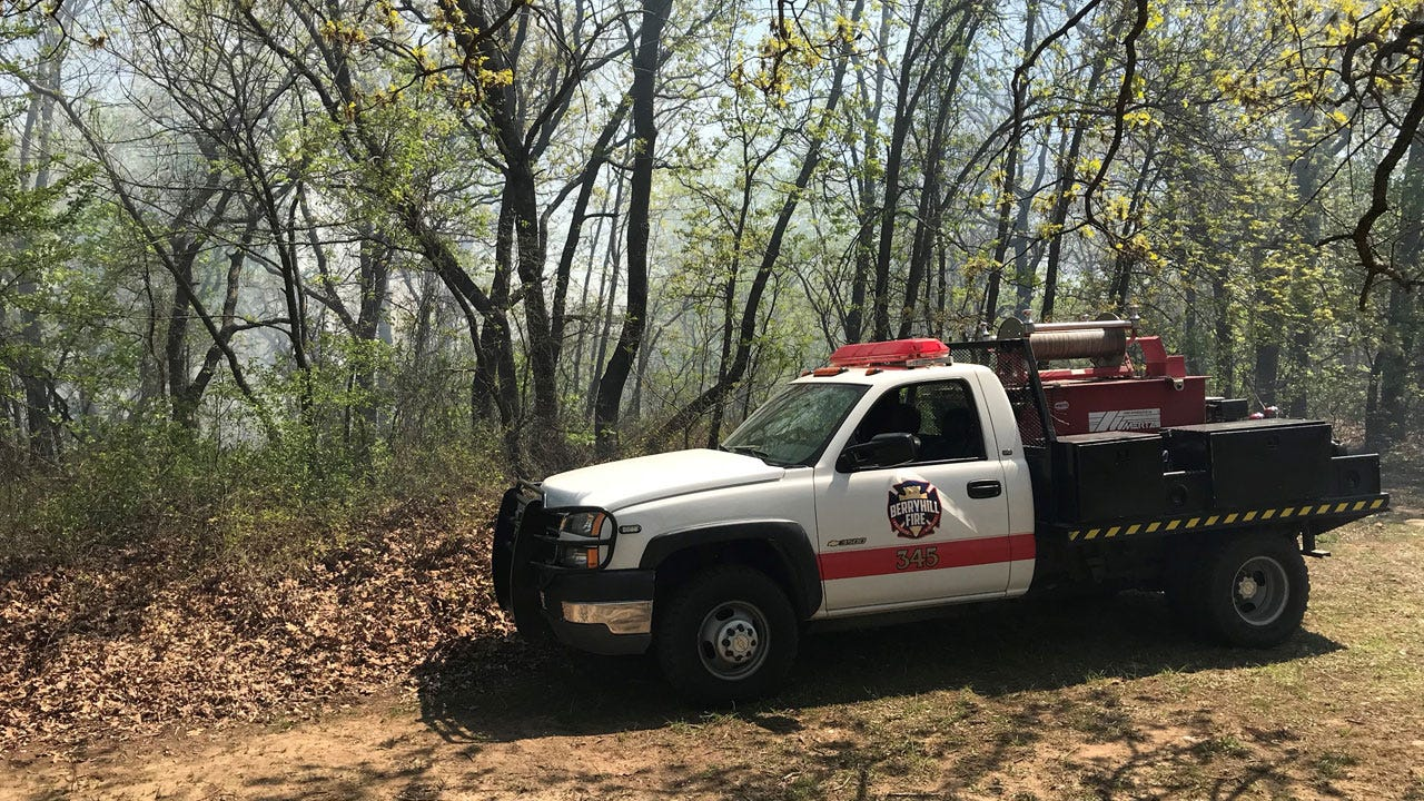 Berryhill, Sand Springs Crews Work To Contain Chandler Park Grass Fire