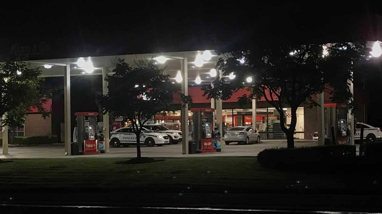 Tulsa Police Respond To Armed Robbery At Kum & Go