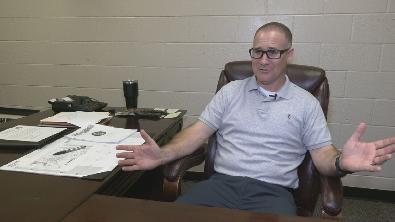 Ft. Gibson's New Police Chief Spends 1st Day Meeting Community Members