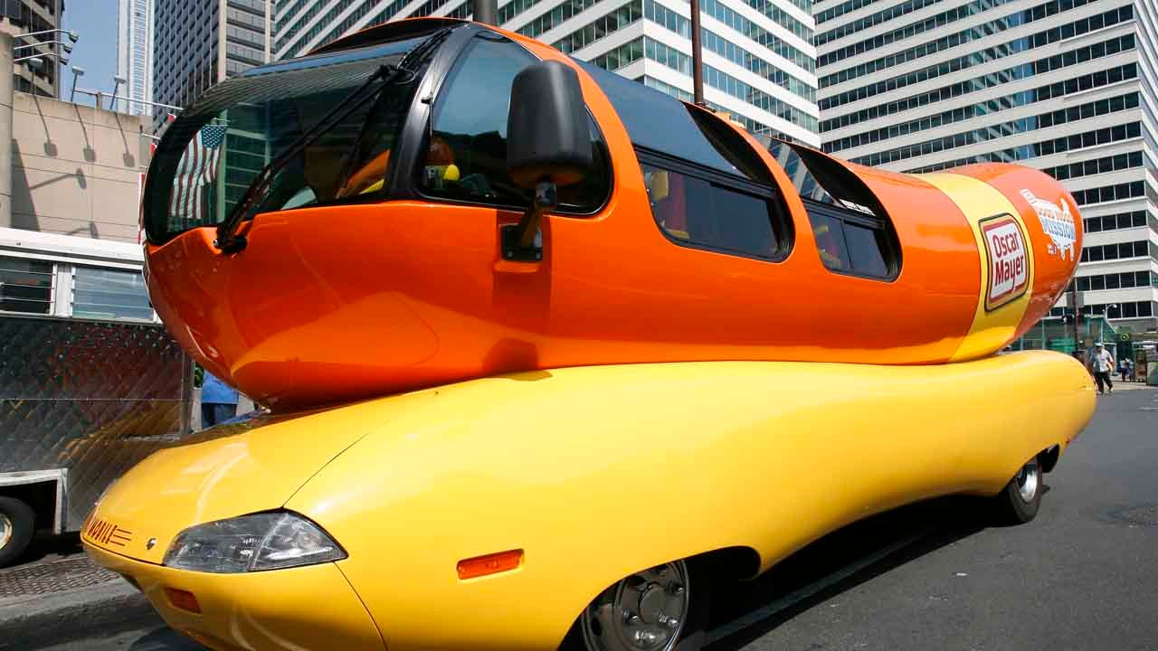 Oscar Mayer Looking For Hotdoggers To Drive The Weinermobile