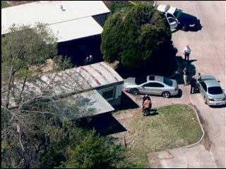 Midwest City police find 2 bodies in mobile home