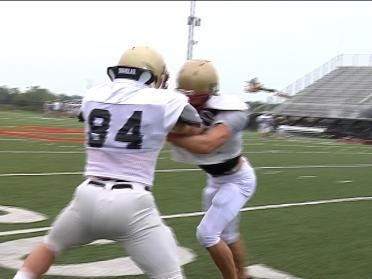 Lincoln Christian LB beats fractured foot