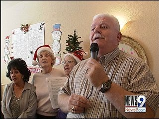 Retirees Bring Holiday Songs to Alzheimer's Patients