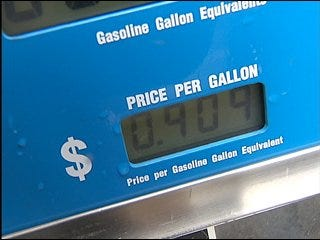 Pickens' plan offers perks at gas pump