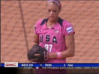 U.S. softball beats Canada 9-5