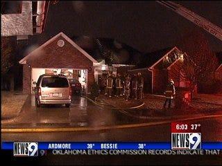 Lightning sparks blaze at Edmond home