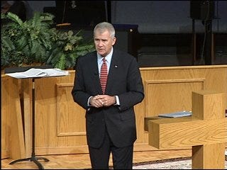 Oliver North honors vets past and present