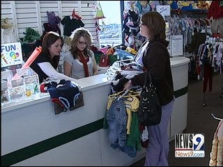 Metro Moms Clean Out Closets for Cash