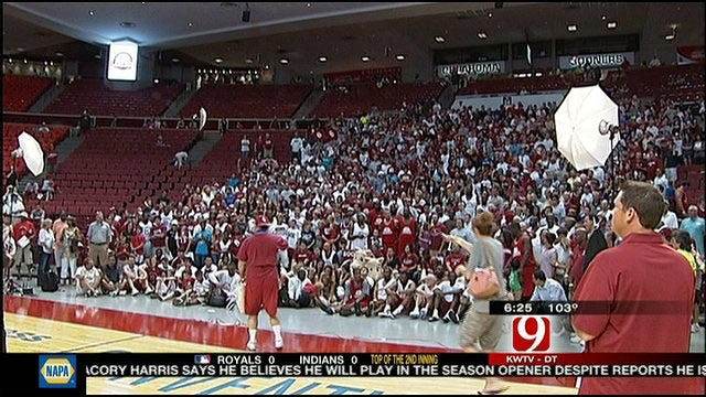 Cream Defeats Crimson In OU Alumni Game