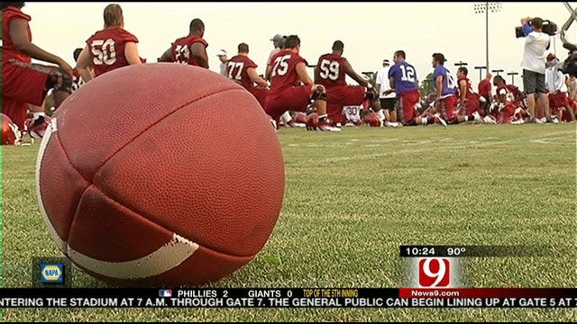 Oklahoma Sooners Begin Fall Practice