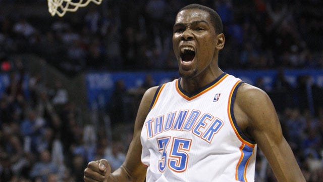 Durant's Buzzer Beater Downs Mavs, Keeps OKC Undefeated