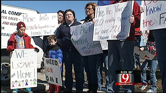 'Angels' Protest Decision To Close Ponca City Children's Home