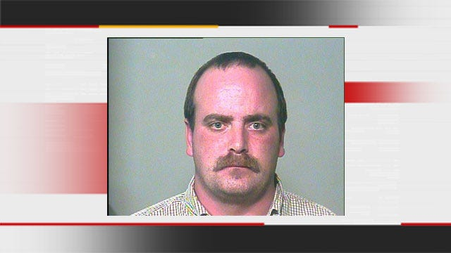 OKC Police Arrest Drunk Taco Bell Employee After Food Fight