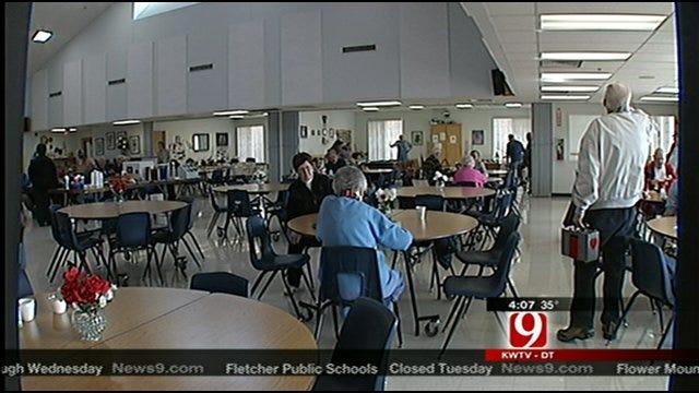County Agencies Help Elderly Prepare For Winter Storm