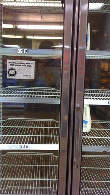 Metro Stores Running Low On Supplies Before Winter Weather