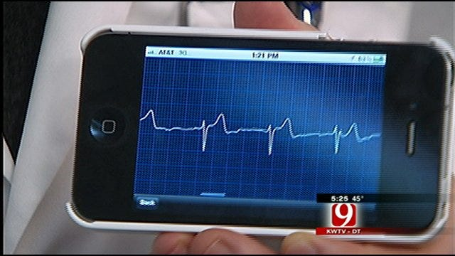 Oklahoma Doctors Turns iPhone Into Portable Heart Monitor