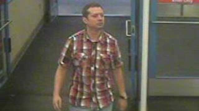 Edmond Police Looking For Man Who Used Stolen Credit Cards