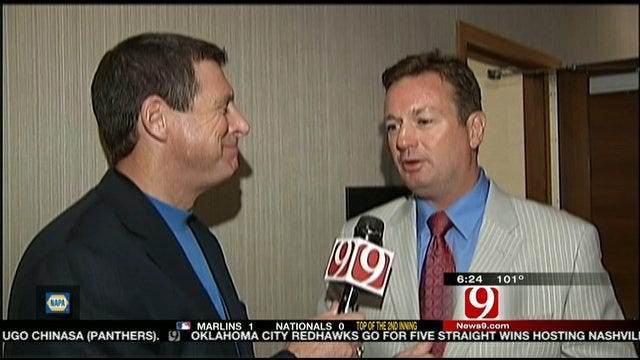 Stoops Talks About Lofty Expectations For OU's Season
