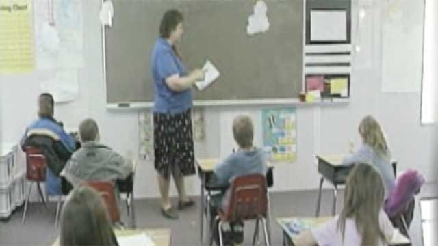 Oklahoma Board Of Education Cuts Teacher Bonuses