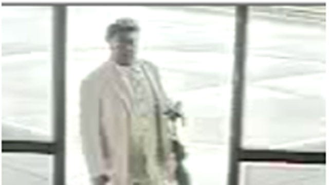 Edmond Police Search For 2 Scam Artists
