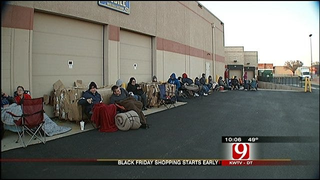 Black Friday Shopping Starts Early At Some OKC Stores