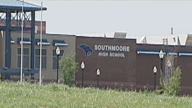 Southmoore Teacher's Assistant Arrested For Sexting Students
