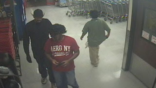 Midwest City Police Search For Suspects In Grocery Store Robbery