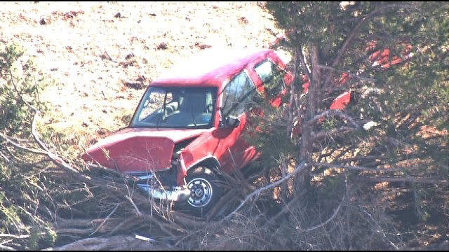 Police Chase Ends When Suspect Crashes Into Tree In Payne County