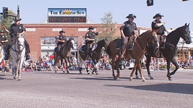 Huge Crowd Gathers for Edmond's LibertyFest