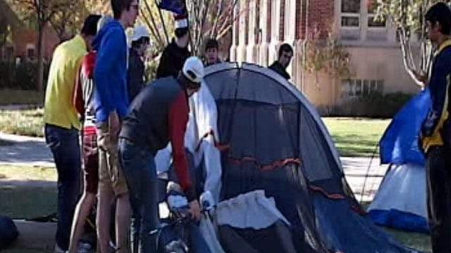 Oklahoma Fans Gearing Up For OU, Notre Dame Game Saturday