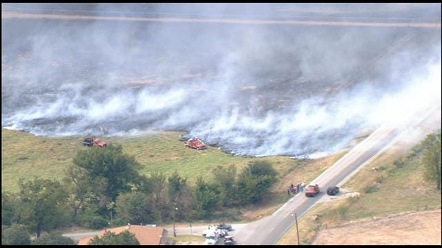 Firefighters Contain Large Grassfire Near Anadarko