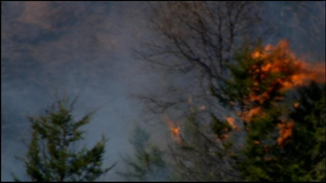 Departments Battle Grass Fire Near Luther