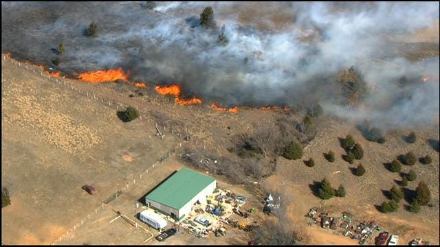 Firefighters Put Out Grass Fire North Of Downtown Harrah