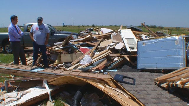 Victims Of '99 Tornado Lend A Hand In Union City