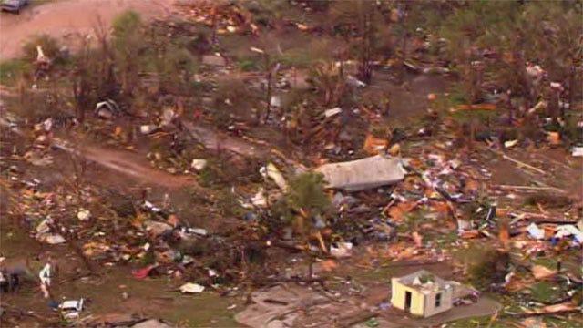 Daybreak Brings Heartbreaking Look At Oklahoma Tornado Damage