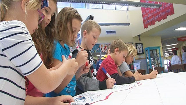 Prayer Canvas For Boston Bombing Victims Travels To Oklahoma