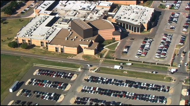 'Suspicious Package' At Edmond North High School Is Lunch Box